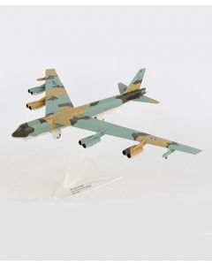 Boeing B-52G Stratofortress 59-2584 1:200 Model