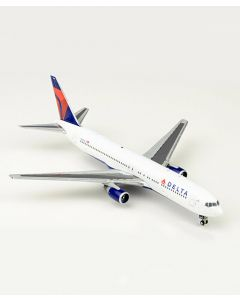 Delta Airlines Boeing 767-300 1:400 Model